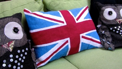 How to make a stitched cushion. Union Jack Tapestry Cushion - Step 16
