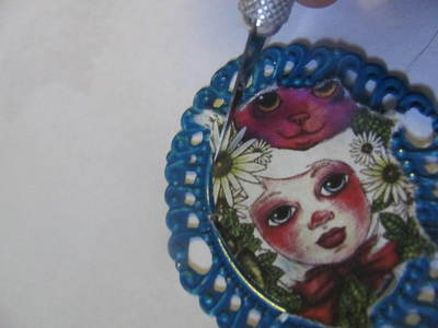 How to make a cameo. WORKING WITH RESIN: Make The Perfect Cameo Brooch - Step 4