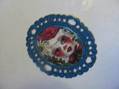 How to make a cameo. WORKING WITH RESIN: Make The Perfect Cameo Brooch - Step 6