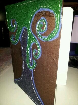 How to make a felt book cover. Personalize Notebook Journals - Step 8