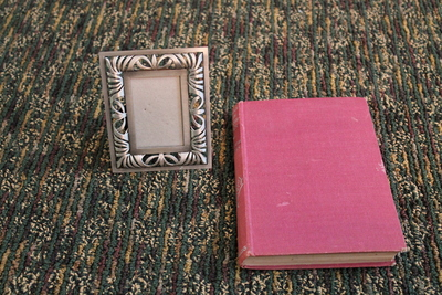 How to make a recycled photo frame. Book Into Photo Frame  - Step 1
