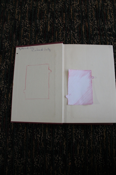 How to make a recycled photo frame. Book Into Photo Frame  - Step 3