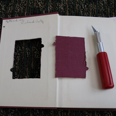 How to make a recycled photo frame. Book Into Photo Frame  - Step 4