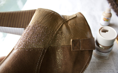 How to decorate a pair of glitter shoes. Diy Sparkle Glitter Boots - Step 3