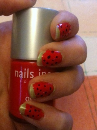 How to paint a fruity nail. Watermelon Nails - Step 4