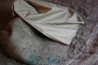 How to sew a fabric basket. Burlap Container - Step 5