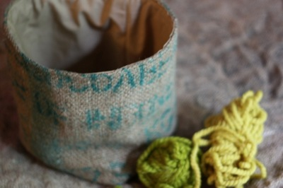 How to sew a fabric basket. Burlap Container - Step 7