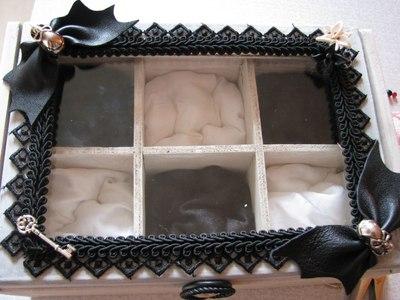 How to make a box. Goth Box - Step 13