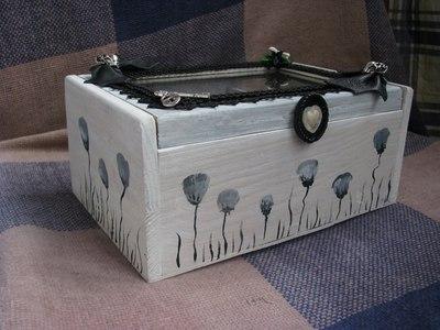 How to make a box. Goth Box - Step 14
