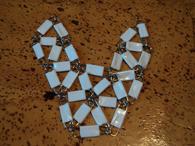 How to make a paperclip necklace. Statement Necklace - Step 9