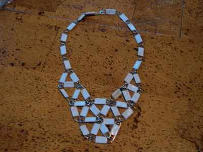 How to make a paperclip necklace. Statement Necklace - Step 11
