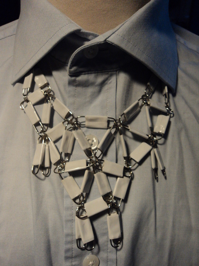 How to make a paperclip necklace. Statement Necklace - Step 13