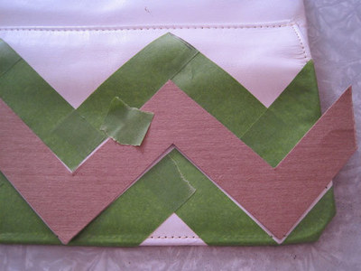 How to make an envelope clutch. Chevron Stripe Painted Clutch - Step 5