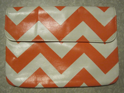 How to make an envelope clutch. Chevron Stripe Painted Clutch - Step 7