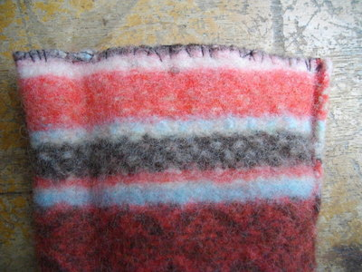 How to stitch an felted pouch. Easy Felt Phone Case - Step 4