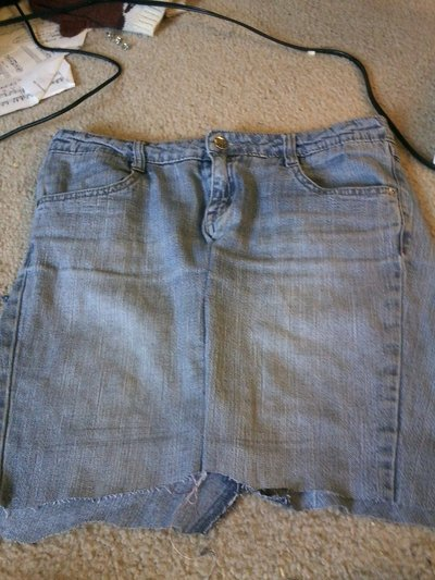 How to recycle a pair of trousers into a skirt. Denim Pencil Skirt - Step 7