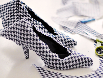 How to make a pair of fabric covered shoes. Houndstooth Shoes  - Step 12