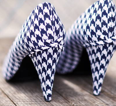 How to make a pair of fabric covered shoes. Houndstooth Shoes  - Step 17