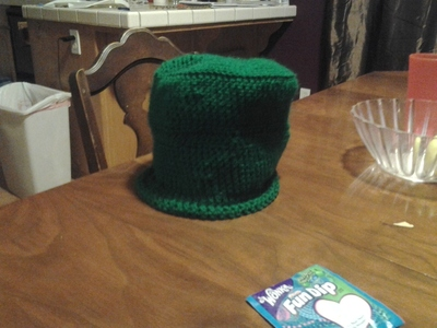 How to make a novelty hat. St. Patty's Day Hat - Step 3