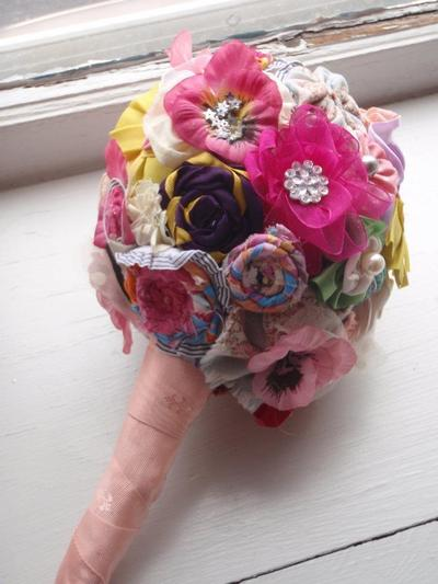 How to make a bouquet. Ribbon Bridal Bouquet - Step 11
