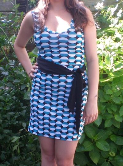 How to sew a t-shirt dress. Easy Shirt Dress - Step 6