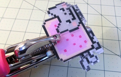 How to make a plastic necklace. Animated GIF Nyan Cat Necklace - Step 7