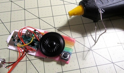 How to make a plastic necklace. Animated GIF Nyan Cat Necklace - Step 17