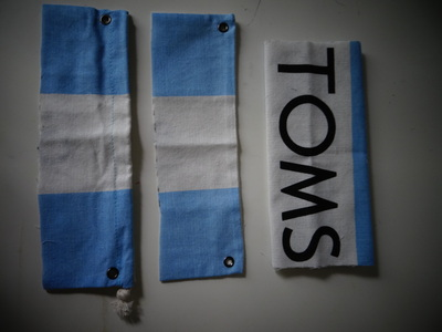 How to make a recycled pouch. Toms Flag Into Wallet - Step 5