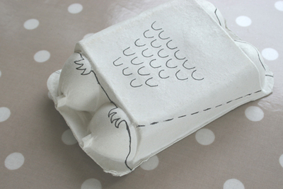 How to make a recycled model. Owls From An Egg Carton - Step 3