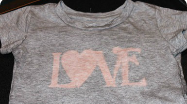 How to make a decorated top. Bleach Pen 'Love' T Shirts - Step 4
