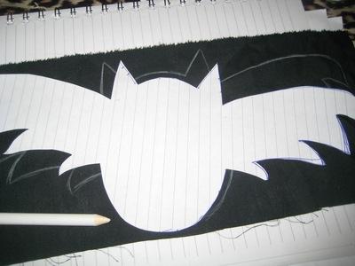 How to paint a t-shirt. Bats T Shirt - Step 3