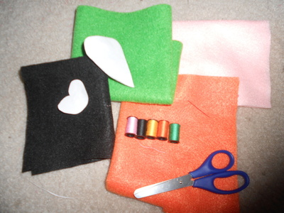 How to sew a vegetable plushie. Carrot Plushie - Step 1