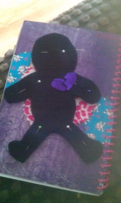 How to make a Doctor Who plushie. Voodoo Doll Pin Cushion - Step 3
