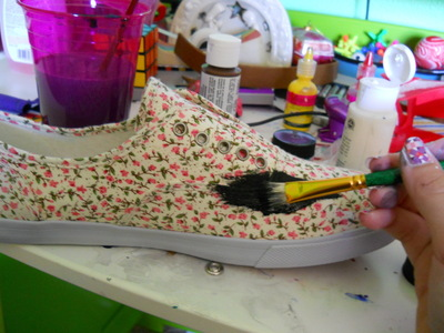 How to paint a pair of patterned shoes. Galaxy Shoes - Step 1