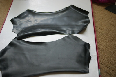 How to make a pair of leather gloves. Latex Fingerless Gloves - Step 5