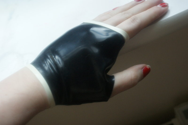 how to make leather gloves runescape