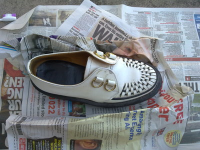 How to paint a pair of paint splatter shoes. Blood Splatter Creepers - Step 2