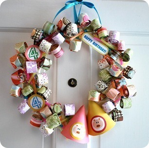 How to make a recycled wreath. Party Blower Birthday Wreath  - Step 18