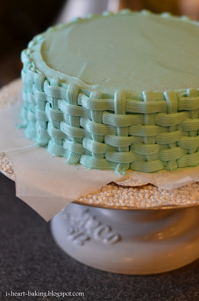 How to decorate an animal cake. Duckie Baby Shower Cake - Step 4