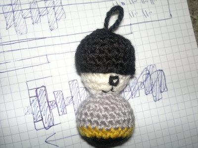 How to stitch a knit or crochet keyring. Batman Bat Keyring - Step 6