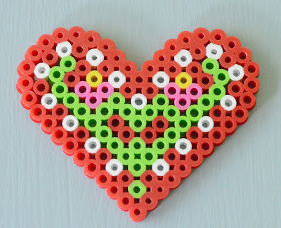 How to bead a beaded heart. Playing With Perler Beads - Step 3