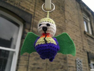 How to stitch a knit or crochet keyring. Joker Bat Keyring - Step 3