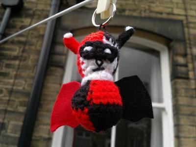 How to stitch a knit or crochet keyring. Harley Quinn Bat Keyring - Step 6