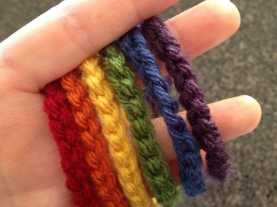 How to knit or crochet a knit or crochet necklace. Rainbow Chain Necklace - Step 1
