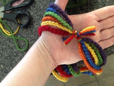 How to knit or crochet a knit or crochet necklace. Rainbow Chain Necklace - Step 2