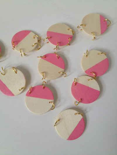 How to make a wooden necklace. Pink + Wood Bib Statement Necklace - Step 6