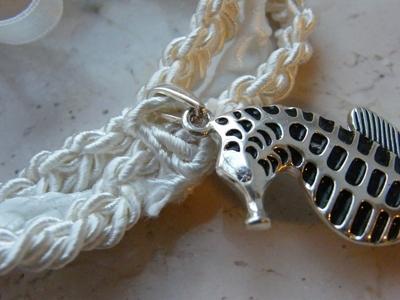 How to make a braided bracelet. Seahorse Necklace/Bracelet - Step 3