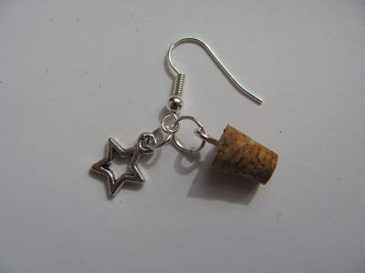 How to make a pair of vial earrings. Tiny Bottle 'Stardust' Earrings - Step 7