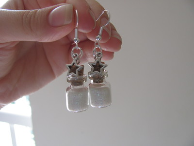 How to make a pair of vial earrings. Tiny Bottle 'Stardust' Earrings - Step 10