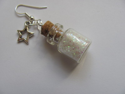 How to make a pair of vial earrings. Tiny Bottle 'Stardust' Earrings - Step 9